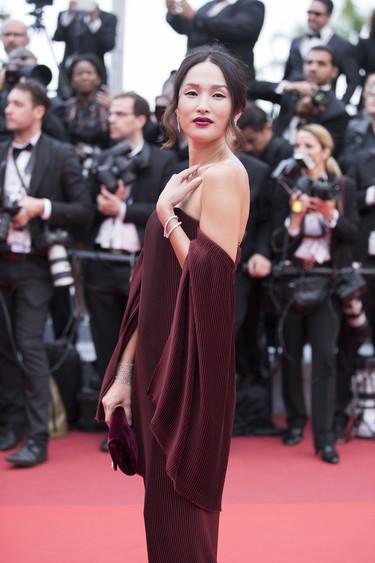 Nicole Warne y Kristina Bazan, dos blogueras pisando la alfombra roja de Cannes y sólo una con estilo