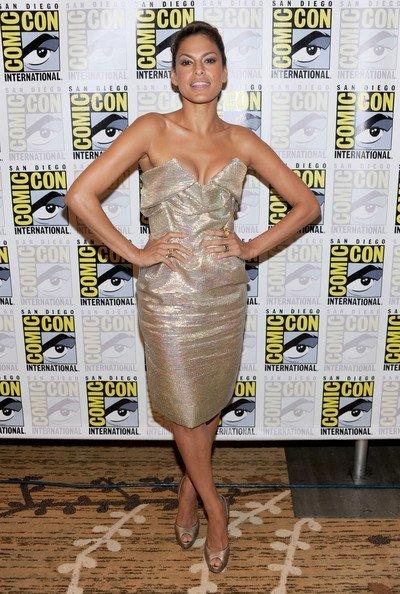 Los mejores looks de famosas en la Comic Con. Eva Mendes