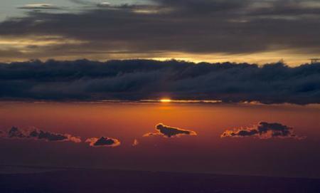 Un grupo de fotógrafos bate el récord de fotografía lejana al capturar los Alpes desde los Pirineos