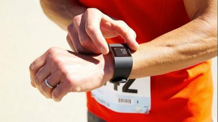 Levántate del sillón y corre: Fitbit tiene la gama perfecta para acompañarte en tu ejercicio diario