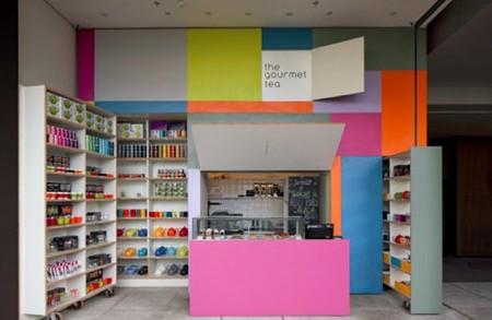 Espacios para trabajar: una tienda de té, modular y de muchos colores, en Sao Paulo