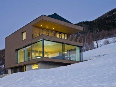 Una espectacular vivienda en Suiza con vistas a los Alpes Peninos