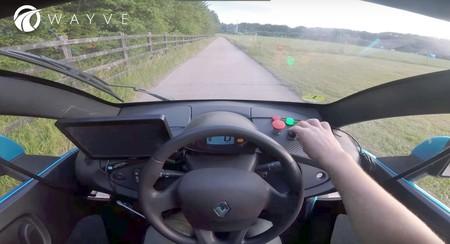 Wayve reclama que su coche autónomo ha sido el primero en completar un trayecto recurriendo tan sólo a la IA y un navegador GPS