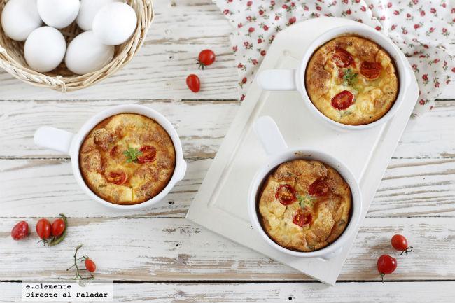 Frittata de tomate, queso feta y beicon