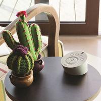 Este mando a distancia de diseño llamativo y compacto quiere ser el centro de control de todo el hogar conectado
