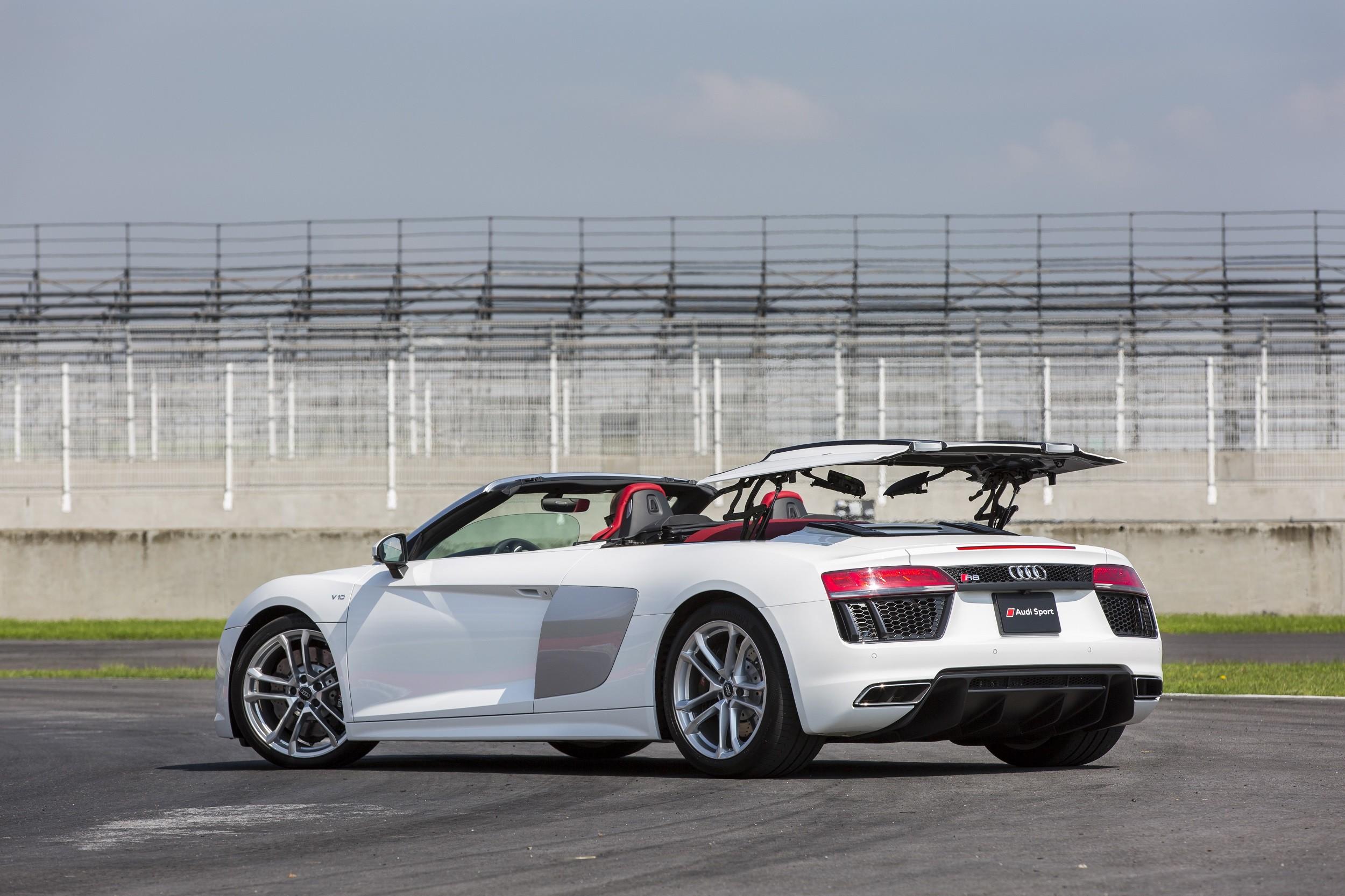 Foto de Audi R8 Spyder (27/38)