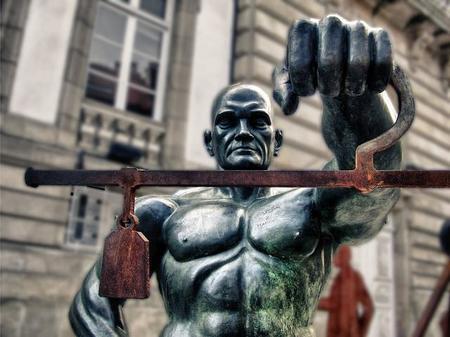 El Tribunal Constitucional avala el periodo de prueba de un año