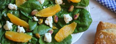 Receta de ensalada griega de espinacas, queso de cabra, naranja y pistachos