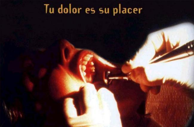 Imagen con el cartel de la película 'El Dentista'