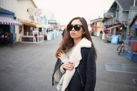 Claves de estilo para ir de shopping: súbete el borrego a la chaqueta