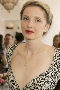Julie Delpy sigue adelante con 'The Countess'