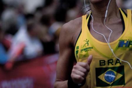 La música puede mejorar el rendimiento de los corredores