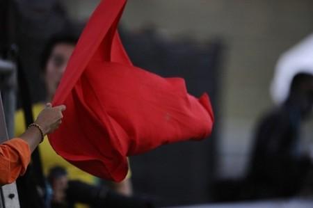 Displays con indicación de banderas y la doble bandera amarilla, nuevas seguridades en MotoGP