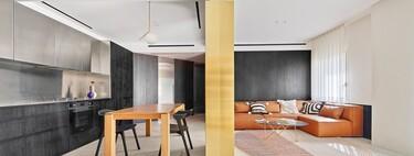 La mezcla de distintos materiales y texturas funciona así de bien en este apartamento de Barcelona