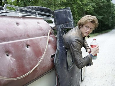 CBS tira la casa por la ventana y concede temporada completa a 'MacGyver', 'Bull' y 'Kevin Can Wait'