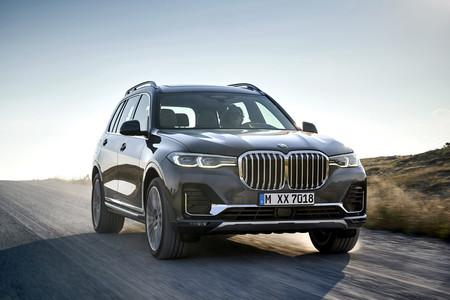BMW X7 frontal dinámico
