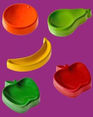 Macedonia de color, pequeñas bandejas para pequeños objetos
