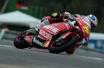 Bautista gana una carrera marcada por la polémica entre Barberá y los italianos