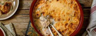Gratén de patata y calabacín con salsa aurora: una receta completa y deliciosa