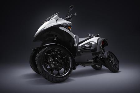 La seguridad y la ecología para el QOODER, una moto con cuatro ruedas y versión 100% eléctrica
