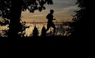 Nunca resultó tan fácil el estar en forma y ahorrarse el gimnasio, ¿vamos a correr?