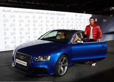 Los jugadores del Barça y Real Madrid estrenan los nuevos Audi