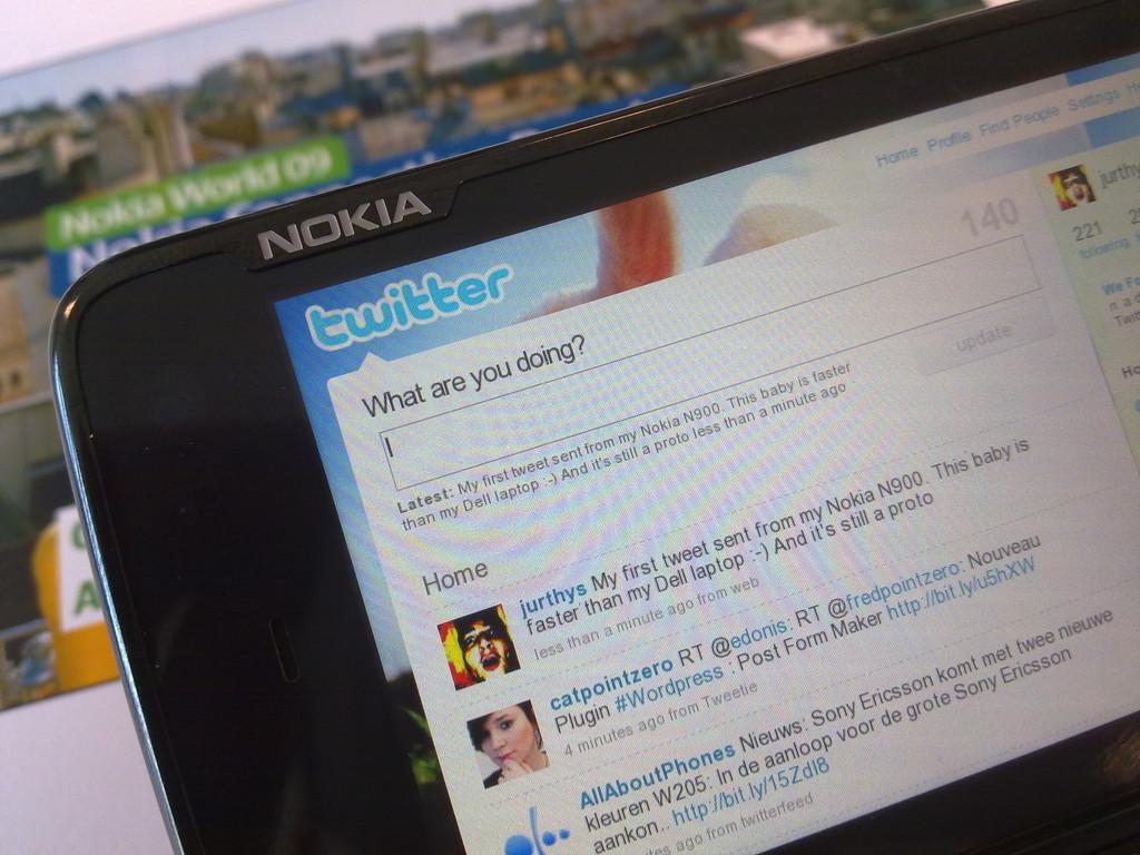 Foto de Nokia N900 en Twitter (2/3)