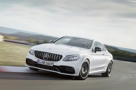 El Mercedes-AMG C 63 se pone al día con nuevo cambio y cuadro digital, pero misma potencia (476 o 510 CV)