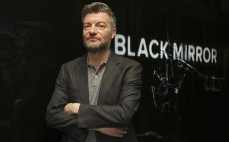 """Charlie Brooker tiene un mensaje para los que critican 'Black Mirror Bandersnatch': """"A tomar por culo"""""""
