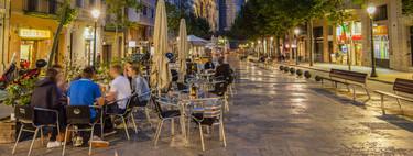 Pedro Sánchez anuncia que las terrazas de bares de las provincias menos afectadas podrán abrir el 11 de mayo (con el 30% de aforo)