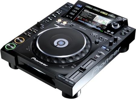 Pioneer CDJ-2000, para DJs que se apuntan a lo digital