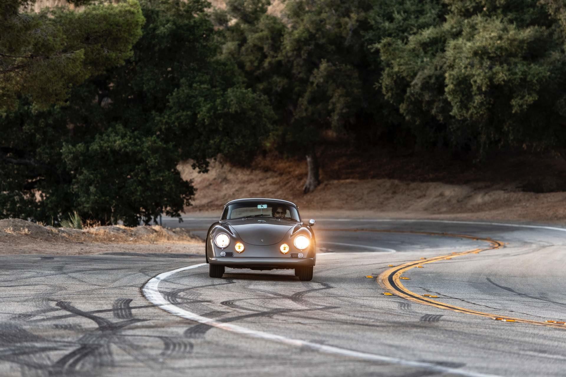 Foto de Emory Motorsports Porsche 356 restomod (17/46)