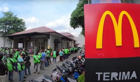 McDonald's lanzó un menú BTS. En Indonesia la locura fue tal que tuvieron que cerrar los locales