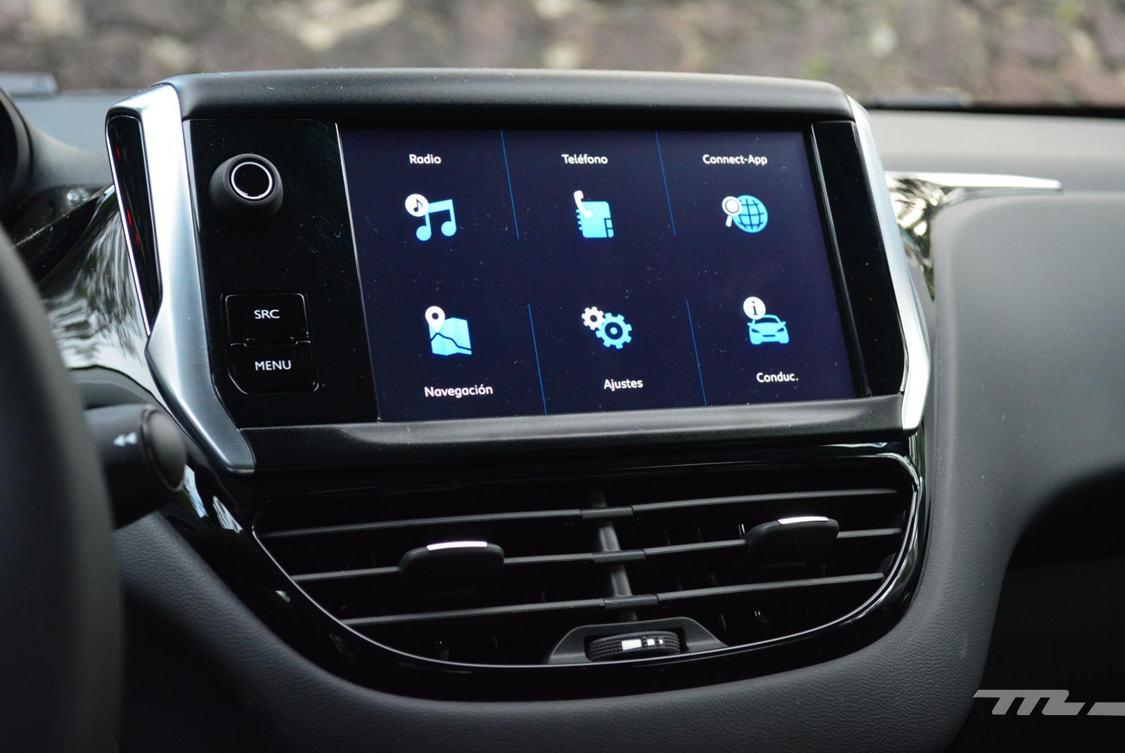 Foto de Peugeot 208 Puretech (16/17)