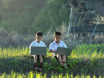 """En los 80 había más """"pequeños programadores"""" que ahora: la edad de inicio ha pasado de la niñez a la adolescencia"""