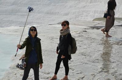 ¿Se puede llevar un palo selfie en el equipaje de mano?