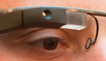 Sergei Brin con las gafas de realidad aumentada de Google