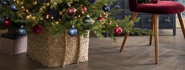 Ideas para ocultar o decorar (según se mire) la base del árbol de Navidad