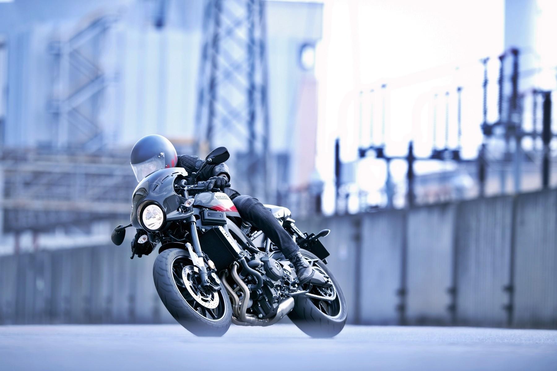Foto de Yamaha XRS900 Abarth (6/38)