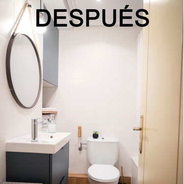 El Antes y después de un cuarto de baño (con lavadora), después de una reforma sin obras que cuida al máximo los detalles