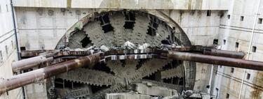 La gigante tuneladora 'Bertha' finalmente ve la luz después de cuatro años bajo tierra y 3,2 kilómetros
