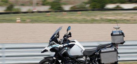 Esta moto sin conductor no es magia, es una BMW autónoma para mejorar las ayudas a la conducción
