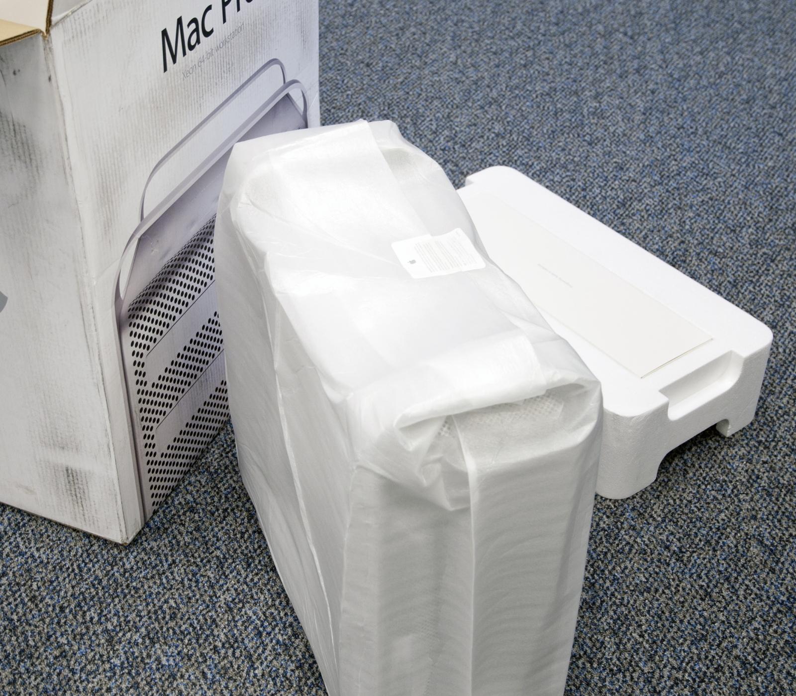 Foto de Unboxing del Mac Pro de 12 núcleos (3/11)