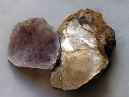 800px-mineral_mica_moscovita_gdfl107.jpg