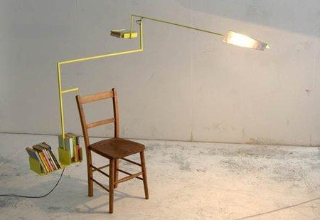 Interesante complemento para una silla de lectura
