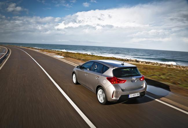 Toyota Auris 2013 trasera