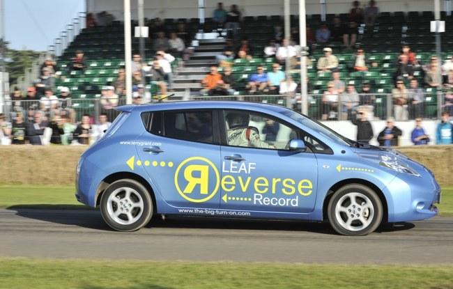 Nissan LEAF récord marcha atrás
