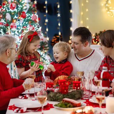 Cinco consejos de los pediatras para que los niños disfruten de una Navidad saludable