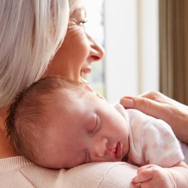 ¿Y si tras la cesárea tu suegra coge a tu bebé antes que tú?