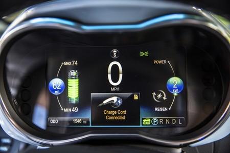 LG dice que proveerá baterías con 320 kilómetros de autonomía en 2016
